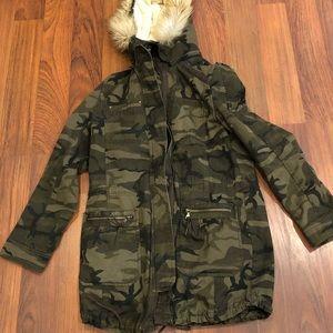 Express camo hood with detachable fur hood XS